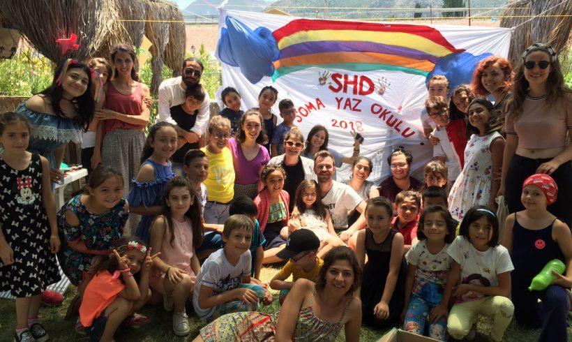 Somalı Çocuklarımızın 23 Nisan Ulusal Egemenlik ve Çocuk Bayramını Kutlarız